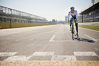3, 2, 1! Jens Keukeleire (BEL/Orica-GreenEDGE) on the start grid <br /> <br /> training/coffee ride with Team Orica-GreenEDGE at Monza F1 race circuit 1 day before Milan-San Remo