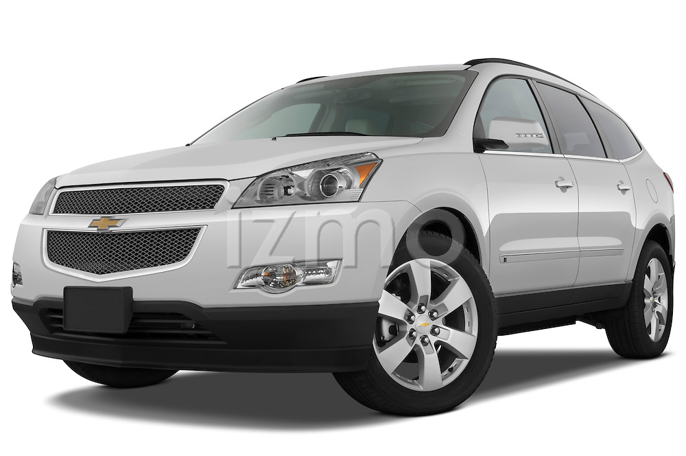 Low aggressive front three quarter view of a 2009 Chevrolet Traverse LTZ.