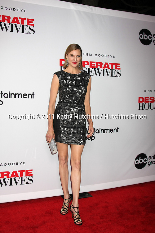 """LOS ANGELES - SEPT 21:  Brenda Strong arriving at the """"Desperate Housewives"""" Final Season Kick-Off Party at Wisteria Lane, Universal Studios on September 21, 2011 in Los Angeles, CA"""