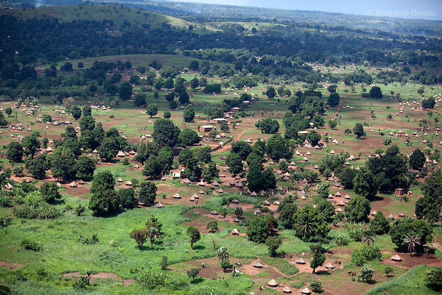 28 may 2010 - Western Equatoria, South Sudan - Aerial view of Maridi, South Sudan. Photo credit: Benedicte Desrus