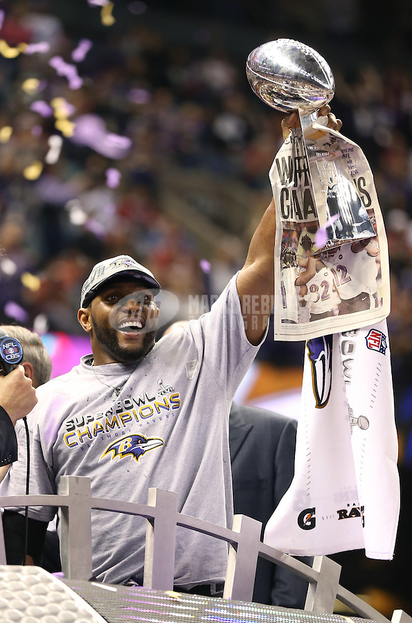 Feb 3, 2013; New Orleans, LA, USA; Baltimore Ravens inside linebacker Ray Lewis hoists the Vince Lombardi Trophy after defeating the San Francisco 49ers in Super Bowl XLVII at the Mercedes-Benz Superdome. Mandatory Credit: Mark J. Rebilas-