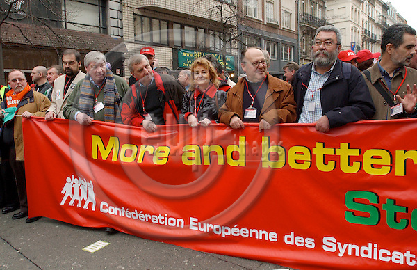 Brussels-Belgium - 19 March 2005---The European Trade Union Confederation (ETUC) called for a demonstration and more than 50.000 demonstrators came into the city of Brussels to demand more and better jobs, to defend a social Europe and to withdraw the Bolkestein directive; here, from left to right: Michael SOMMER, President of DGB (Deutscher Gewerkschaftsbund/German Confederation of Trade Unions), Friedrich/Fritz VERZETNITSCH, President of ÖGB (Oesterreichischer Gewerkschaftsbund/Austrian Confederation of Trade Unions), Ursula ENGELEN-KEFER, Vice-President of DGB, N.N., Cándido MÉNDEZ, President of the ETUC---Photo: Horst Wagner/eup-images