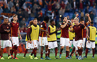 Calcio, Serie A: Roma vs Lazio. Roma, stadio Olimpico, 8 novembre 2015.<br /> Roma's players celebrate at the end of the Italian Serie A football match between Roma and Lazio at Rome's Olympic stadium, 8 November 2015. Roma won 2-0.<br /> UPDATE IMAGES PRESS/Riccardo De Luca