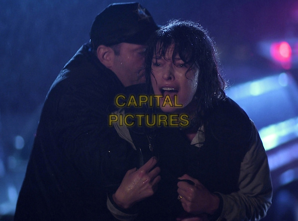 MILLA JOVOVICH, ELIAS KOTEAS.The Fourth Kind (2009).*Filmstill - Editorial Use Only*.CAP/FB.Supplied by Capital Pictures.