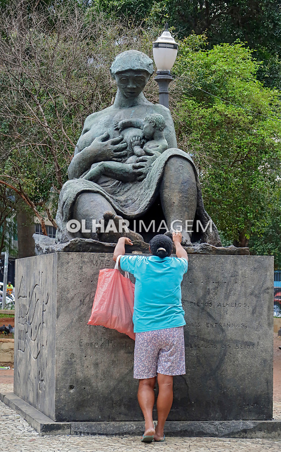 Estatua Mae Preta, Largo Paissandu, Sao Paulo. 2018. Foto © Juca Martins.