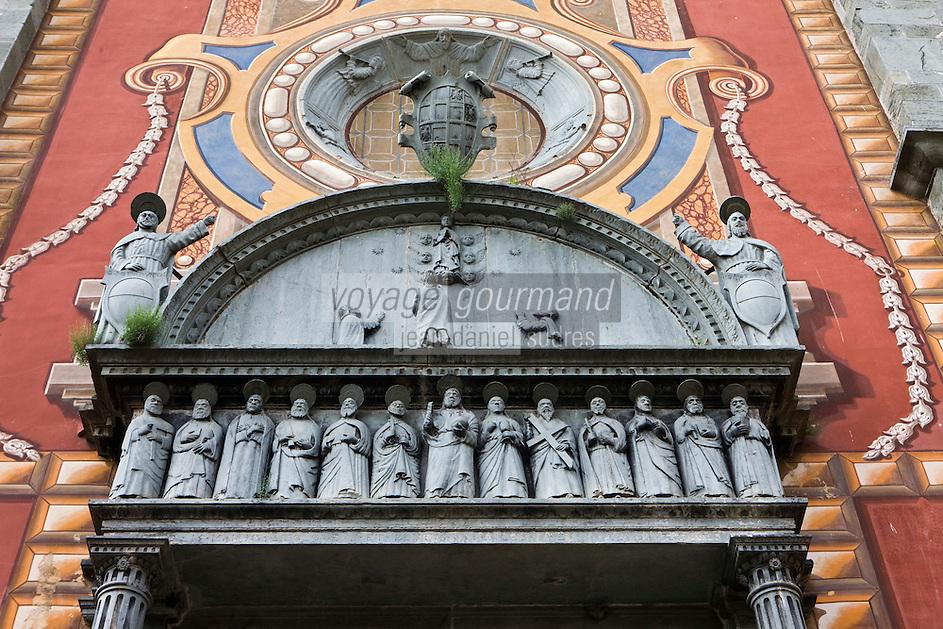 Europe/France/Provence-Alpes-Côtes d'Azur/06/Alpes-Maritimes/Alpes-Maritimes/Arrière Pays Niçois/Tende: Détail façade de  la collégiale Notre-Dame-de-l'Assomption avec son portail renaissance
