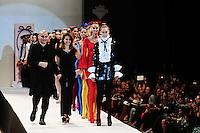 BUENOS AIRES, ARGENTINA , 26 DE FEVEREIRO 2013 - BUENOS AIRES FASHION WEEK - Modelo durante desfile da grife Muaa by Pablo Ramirez no primeiro dia de desfiles do Buenos Aires Fashion Week no La Rural em Buenos Aires capital da Argentina, nesta terça-feira, 26. (FOTO: PATRICIO MURPHY / BRAZIL PHOTO PRESS)..