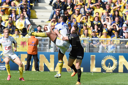18.04.2015. Clermont-Ferrand, Auvergne, France. Champions Cup rugby semi-final between ASM Clermont and Saracens.   Naipolioni Nagala (asm)  collects the kick