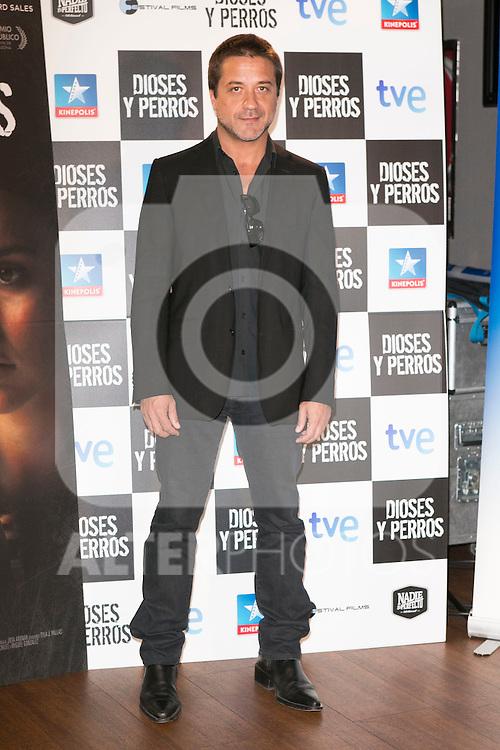 """Enrique Arce attends the """"DIOSES Y PERROS """" Movie presentation at Kinepolis Cinema in Madrid, Spain. October 6, 2014. (ALTERPHOTOS/Carlos Dafonte)"""