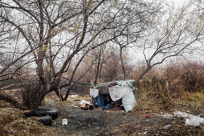 Serbia, Subotica, 05.12.2011: To bridge the time until crossing the border, migrants have built temporary shelters. <br /> <br /> Serbien, Subotica, 05.12.2011: Um die Zeit des Wartens zu ueberbruecken, haben sich die Migranten tempor&auml;re Unterk&uuml;nfte gebaut.<br /> <br /> [ CREDIT: www.throughmyeyes.de - Merlin Nadj-Torma - Boeckhstr. 26 - 101 - 10967 Berlin - phone +49-177-8279119 - merlin@throughmyeyes.de ]