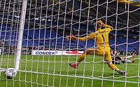 v.l. Goal scored, Tor zum 3:3 durch Timothy Chandler (Eintracht Frankfurt)<br /> <br />  - 26.05.2020 Fussball 1.Bundesliga Spieltag 28, Eintracht Frankfurt  - SC Freiburg emspor, <br /> <br /> Foto: Jan Huebner/Pool/ Via Marc Schueler/Sportpics.de<br /> (DFL/DFB REGULATIONS PROHIBIT ANY USE OF PHOTOGRAPHS as IMAGE SEQUENCES and/or QUASI-VIDEO), Editorial use only. National and International News Agencies OUT