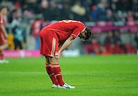FUSSBALL   1. BUNDESLIGA  SAISON 2011/2012   13. Spieltag  19.11.2011 FC Bayern Muenchen - Borussia Dortmund         Enttaeuschung; Mario Gomez (FC Bayern Muenchen)