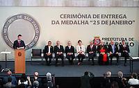 SAO PAULO, SP, 25 DE JANEIRO DE 2012 - ENTREGA MEDALHA 25 DE JANEIRO - A presidente da Republica Federativa do Brasil, Dilma Rousseff, durante cerimônia de entrega da Medalha 25 de Janeiro no âmbito das comemorações do 458o aniversário de fundação da cidade de São Paulo, no Edifício Sede da Prefeitura de São Paulo, na regiao central da capital paulista. (FOTO: RICARDO LOU - NEWS FREE).
