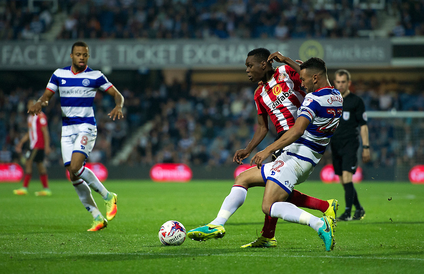 Sunderland's Joel Asoro holds off the challenge from Queens Park Rangers' Steven Caulker<br /> <br /> Photographer Ashley Western/CameraSport<br /> <br /> The EFL Cup Third Round - Queens Park Rangers v Sunderland - Wednesday 21st September 2016 - Loftus Road - London<br />  <br /> World Copyright &copy; 2016 CameraSport. All rights reserved. 43 Linden Ave. Countesthorpe. Leicester. England. LE8 5PG - Tel: +44 (0) 116 277 4147 - admin@camerasport.com - www.camerasport.com