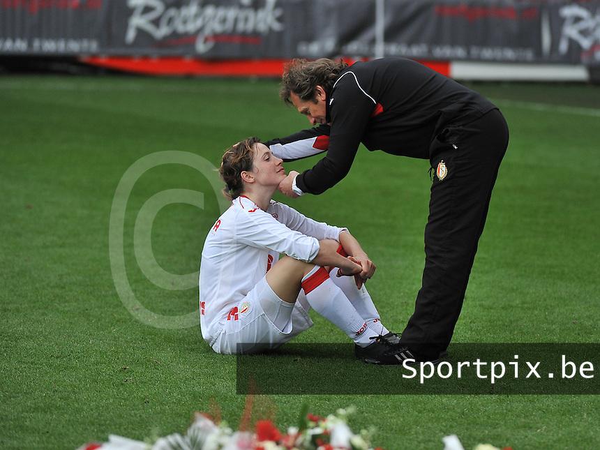 FC Twente - Standard Femina : Patrick Wachel troost Imke Courtois<br /> foto DAVID CATRY / Nikonpro.be