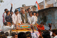 "Asien Suedasien Indien Madhya Pradesh , Umzug des Wahlsieger der Congress Partei  -  Politik xagndaz | .South asia India Madhya Pradesh , congress party rally after election - policy democracy poll crowd .| [ copyright (c) Joerg Boethling / agenda , Veroeffentlichung nur gegen Honorar und Belegexemplar an / publication only with royalties and copy to:  agenda PG   Rothestr. 66   Germany D-22765 Hamburg   ph. ++49 40 391 907 14   e-mail: boethling@agenda-fototext.de   www.agenda-fototext.de   Bank: Hamburger Sparkasse  BLZ 200 505 50  Kto. 1281 120 178   IBAN: DE96 2005 0550 1281 1201 78   BIC: ""HASPDEHH"" ,  WEITERE MOTIVE ZU DIESEM THEMA SIND VORHANDEN!! MORE PICTURES ON THIS SUBJECT AVAILABLE!!  ] [#0,26,121#]"
