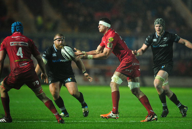 Scarlets' Aaron Shingler<br /> <br /> Photographer Kevin Barnes/CameraSport<br /> <br /> Guinness Pro14 Round 11 - Scarlets v Ospreys - Tuesday 26th December 2017 - Parc y Scarlets - Llanelli<br /> <br /> World Copyright &copy; 2017 CameraSport. All rights reserved. 43 Linden Ave. Countesthorpe. Leicester. England. LE8 5PG - Tel: +44 (0) 116 277 4147 - admin@camerasport.com - www.camerasport.com