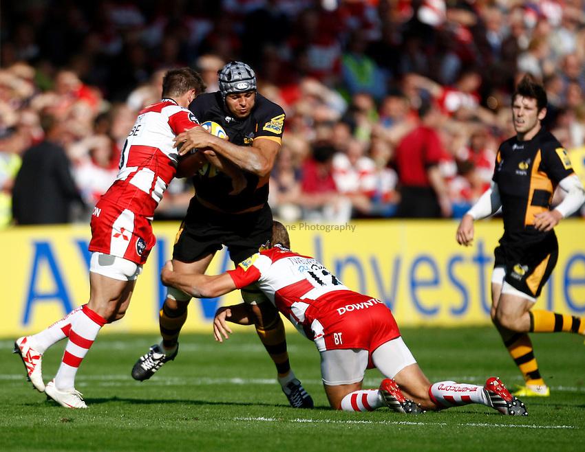 Photo: Richard Lane/Richard Lane Photography. Gloucester Rugby v London Wasps. Aviva Premiership. 22/09/2012. Wasps' Marco Wentzel attacks.