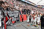 14.04.2018, BayArena, Leverkusen , GER, 1.FBL., Bayer 04 Leverkusen vs. Eintracht Frankfurt<br /> im Bild / picture shows: <br /> die Mannschaft von Frankfurt verschenkt ihre Trikots an die Fans und verabschiedet sich <br /> <br /> <br /> Foto &copy; nordphoto / Meuter