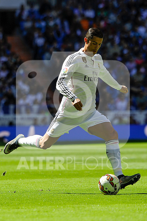 Real Madrid´s Cristiano Ronaldo during 2014-15 La Liga match between Real Madrid and Granada at Santiago Bernabeu stadium in Madrid, Spain. April 05, 2015. (ALTERPHOTOS/Luis Fernandez)