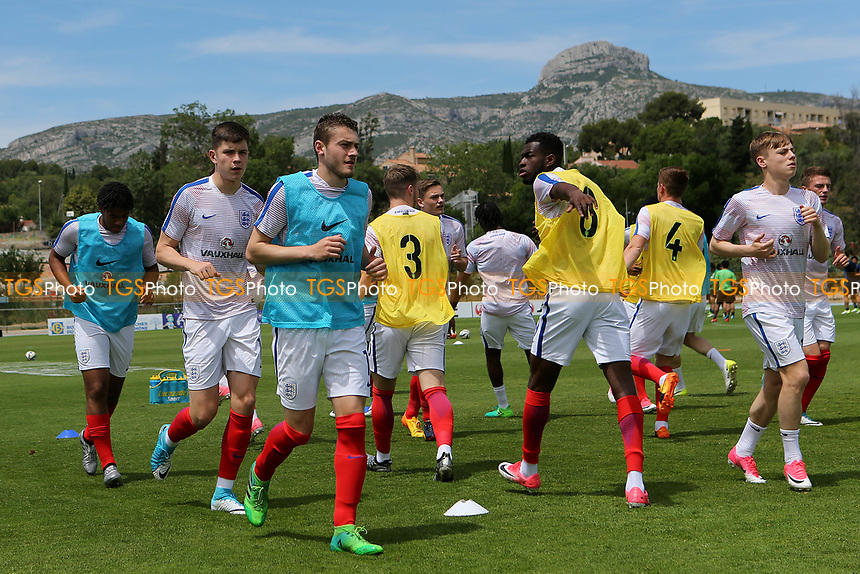 England U18's warm up pre-match during Japan Under-20 vs England Under-18, Toulon Tournament Football at Stade de Lattre-de-Tassigny on 4th June 2017