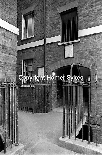 Peabody  Housing Estate. Tower Hamlets Whitechapel east London UK 1975