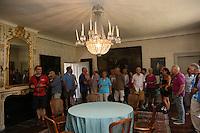 Gruppe der Leser-Radtour im Jagdschloss Kranichstein
