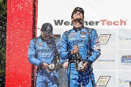 #86 Meyer Shank Racing w/ Curb-Agajanian Acura NSX GT3, GTD: Mario Farnbacher, Trent Hindman, podium, champagne