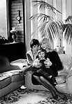 Polish film star Barbara Brylska with chilrens. / Барбара Брыльска с детьми. <br /> Личный архив Б.Брыльской