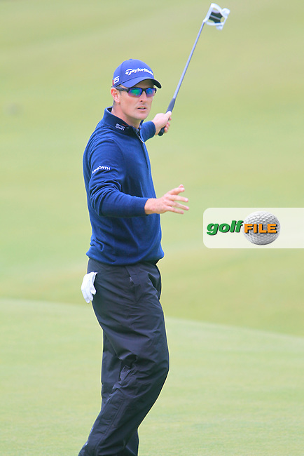 Justin Rose (ENG) on the 18th during the final round on Monday of the 144th Open Championship, St Andrews Old Course, St Andrews, Fife, Scotland. 20/07/2015.<br /> Picture: Golffile | Fran Caffrey<br /> <br /> <br /> All photo usage must carry mandatory copyright credit (&copy; Golffile | Fran Caffrey)