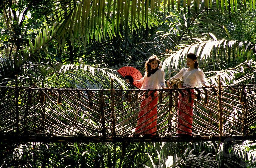 PHILIPPINE AIRLINE GIRLS