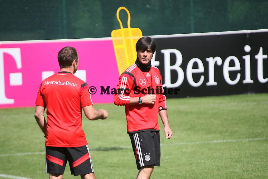 Bundestrainer Joachim Löw mit Co-Trainer Hansi Flick - Abschlusstraining der Deutschen Nationalmannschaft  im Rahmen der WM-Vorbereitung in St. Martin