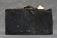 Willard Suitcase Documentation<br /> <br /> &copy;2011 Jon Crispin<br /> ALL RIGHTS RESERVED<br /> <br /> Willard Suitcases Project / Leroy B