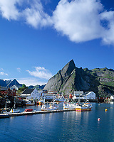 Norwegen, Nordland, Lofoten, Hamnoy: Fischerdorf | Norway, Nordland, Lofoten Islands, Hamnoy: fishing village
