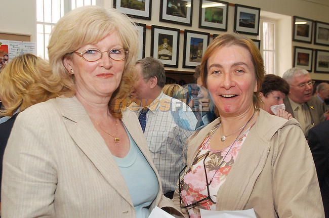 Liz Scully and Elaine Halrahan at the opening of the new Tourist Centre in the Workspace centre..Photo Fran Caffrey Newsfile.ie..This Picture has been sent to you by Newsfile Ltd..The Studio,.Millmount Abbey,.Drogheda,.Co. Meath,.Ireland..Tel: +353(0)41-9871240.Fax: +353(0)41-9871260.ISDN: +353(0)41-9871010.www.newsfile.ie..general email: pictures@newsfile.ie
