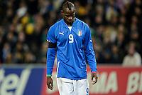 GENEBRA, SUICA, 21 DE MARCO DE 2013 -Mario Balotelli jogador da Italia durante partida amistosa contra o Brasil, disputada em Genebra, na Suíça, nesta quinta-feira, 21. O jogo terminou 2 a 2. FOTO: PIXATHLON / BRAZIL PHOTO PRESS