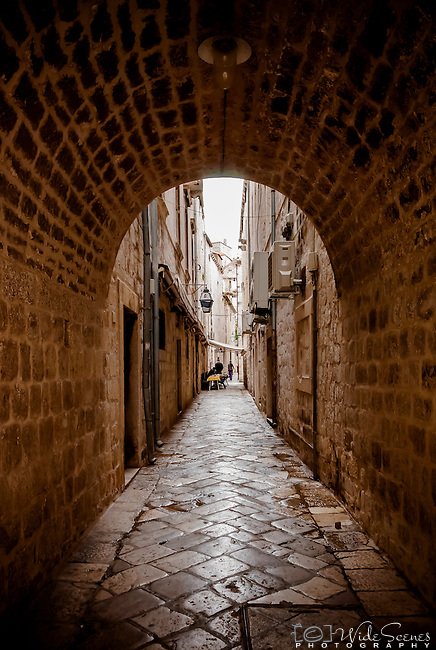 Narrow alleyway in the old town of Dubrovnik, Croatia
