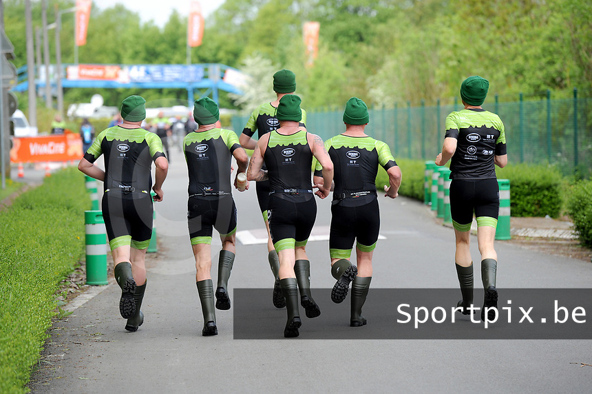 20180501 - DOORNIK , BELGIUM : TTriathletes Bekina Triathlon Team Oudenaarde pictured during The Belgian Championship Team Triathlon Man and Women , a Team Triathlon in Doornik , Tuesday 1 st May 2018 , PHOTO SPORTPIX.BE | STIJN AUDOOREN