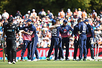 England bowler Mark Wood and team mates celebate the wicket of WIlliamson.<br /> New Zealand Blackcaps v England. 5th ODI International one day cricket, Hagley Oval, Christchurch. New Zealand. Saturday 10 March 2018. &copy; Copyright Photo: Andrew Cornaga / www.Photosport.nz