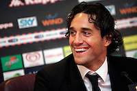 Il nuovo attaccante della Roma Luca Toni sorride durante la conferenza stampa di presentazione al centro sportivo di Trigoria, Roma, 2 gennaio 2010..AS Roma football team's new forward Luca Toni smiles during the press conference for his official presentation at the club's sporting center on the outskirts of Rome, 2 january 2010. .UPDATE IMAGES PRESS/Riccardo De Luca