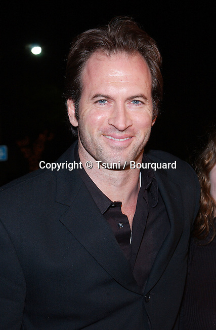 Scott Paterson arriving at the premiere of Kate & Leopold at the Mann Bruin Theatre in Westwood, Los Angeles. December 11, 2001.  PatersonScott05.jpg