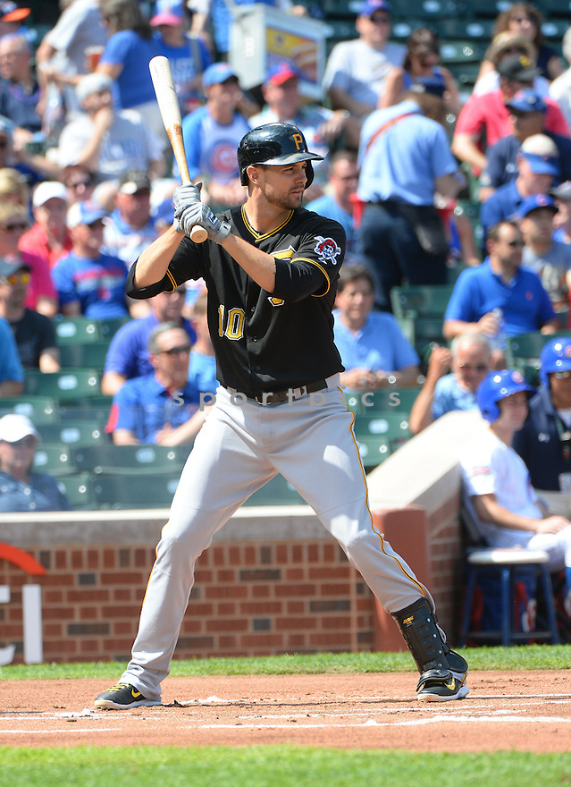Pittsburgh Pirates Jordy Mercer (10) during a game against the Chicago Cubs on September 5, 2014, at Wrigley Field in Chicago, IL. The Pirates beat the Cubs 5-3.