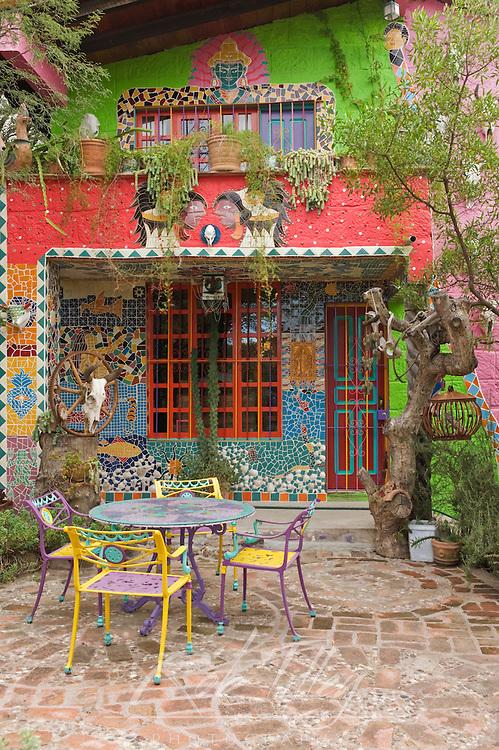 Mexico, Guanajuato, San Miguel de Allende, Private Garden of Anado McLaughlin