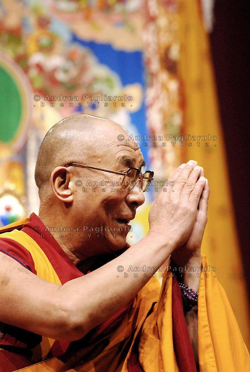 Italia, Milano, Palasharp..Il XIV Dalai Lama Tenzin Gyatso.© Andrea Pagliarulo/Buenavista.#####.Italy, Milan, Palasharp..The XIV Dalai Lama Tenzin Gyatso.© Andrea Pagliarulo/Buenavista