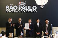 São Paulo (SP) 29/01/2019 - Politica-SP - João Doria, Governador de São Paulo, assina o decreto de isenção do ICMS para hortaliças e frutas que passam por processamento mínimo, em São Paulo, nesta terça-feira, 29.  (Foto: Charles Sholl / Brazil Photo Press)