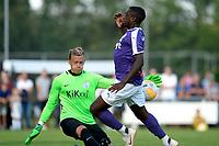NORG - Voetbal, FC Groningen - SV Meppen, voorbereiding seizoen 2018-2019, 13-07-2018, FC Groningen speler Ahmad Mendes Moreira strand op doelman Erik Domascke