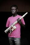 Fabien. 10 ans. 6 mois passés dans les groupes armés. Bukavu, RDC, juillet 2013.