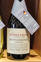 Rotweinwanderweg, Verkauf von  fränkischem Rotwein aus Klingenberg, Miltenberg in Unterfranken, Bayern, Deutschland