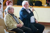 Georges LE MEUR etait deja present lors du tout premier fest-noz moderne que Loeiz ROPARS a organise a Poullaouen le 26 decembre 1954.Herve IRVOAS, sonneur de biniou