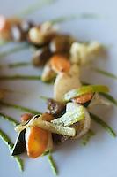 Europe/France/Bretagne/56/Morbihan/La Gacilly: Assiette de légumes bio du moment  recette de Gilles Le Gallès Restaurant  La Grée des Landes, Eco-Hôtel Spa Yves Rocher